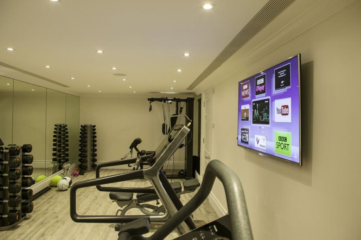Gym AV system, central London